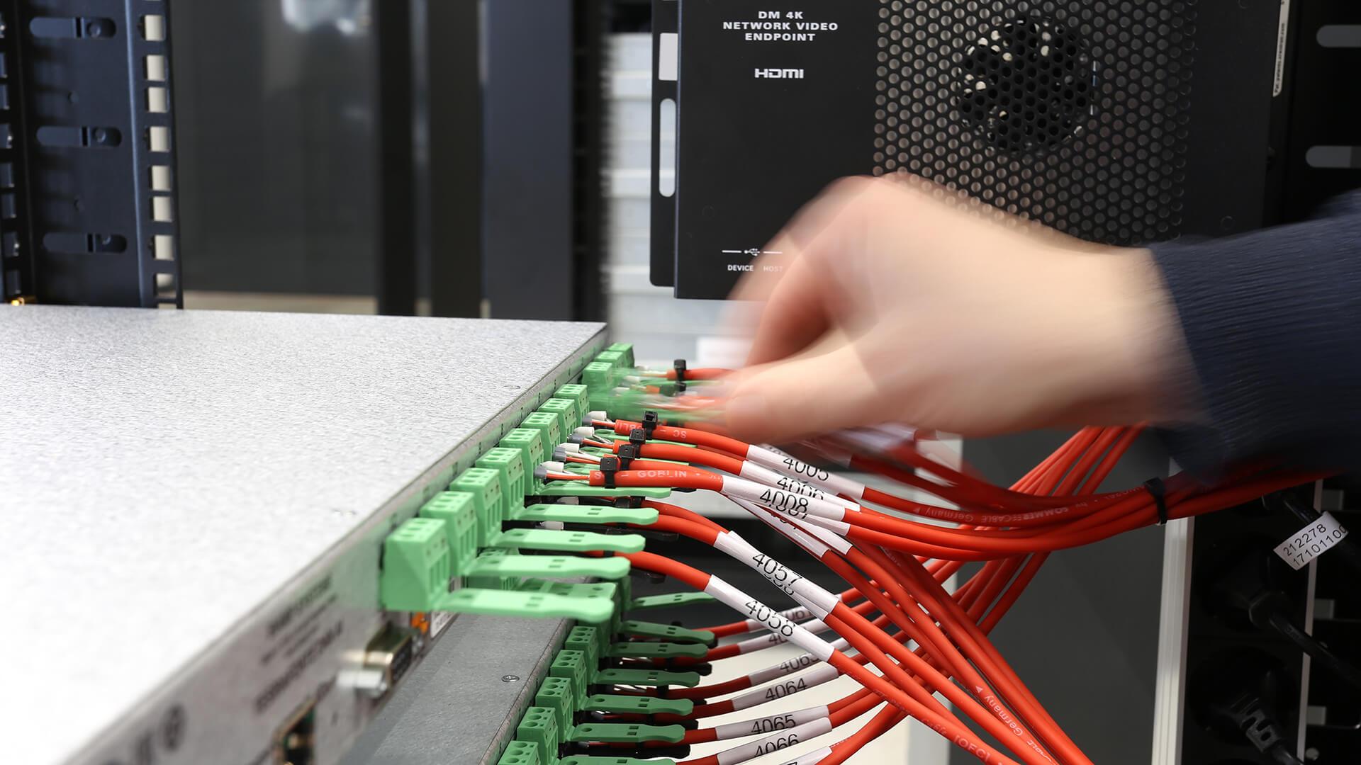 Medientechnik Programmierung Steuerung Vorinstallation